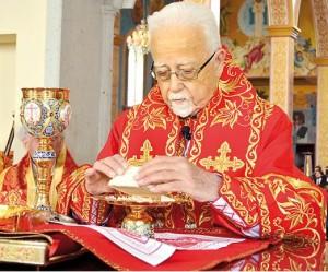 Arzobispo Antonio Chedraui